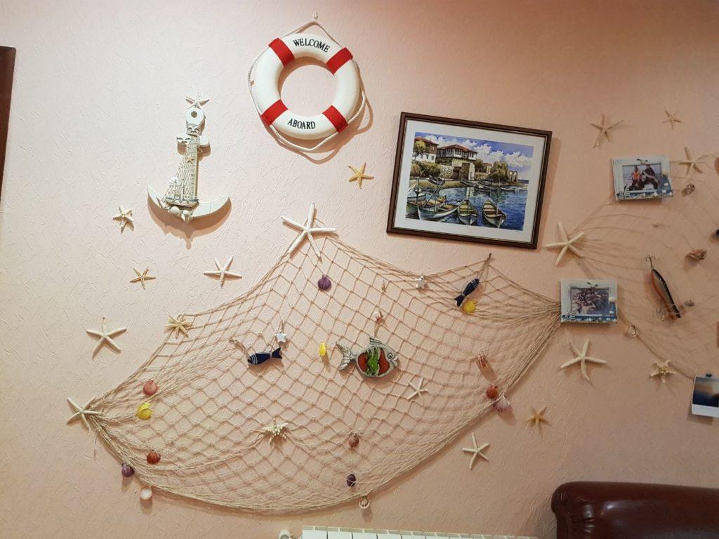 gostinica stena avtografov ot posetitelej i trofeev rybolovnaja baza cherkasovo rybinskoe vodohranilishhe 1024x768 - ФОТОГАЛЕРЕЯ