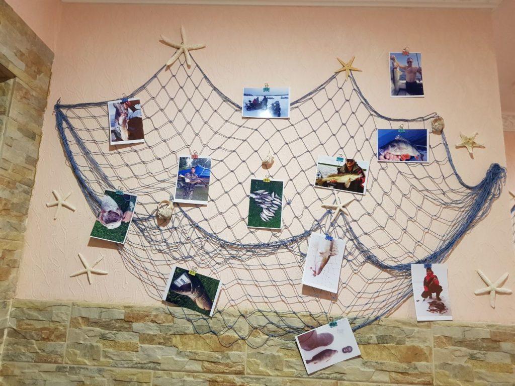 gostinica stena avtografov ot posetitelej i trofeev rybolovnaja baza cherkasovo rybinskoe vodohranilishhe 7 1024x768 - ФОТОГАЛЕРЕЯ