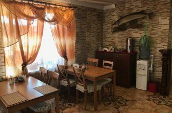 nashe kafe 2 rybolovnaja baza cherkasovo rybinskoe vodohranilishhe 335x220 - Наше кафе столики у окна