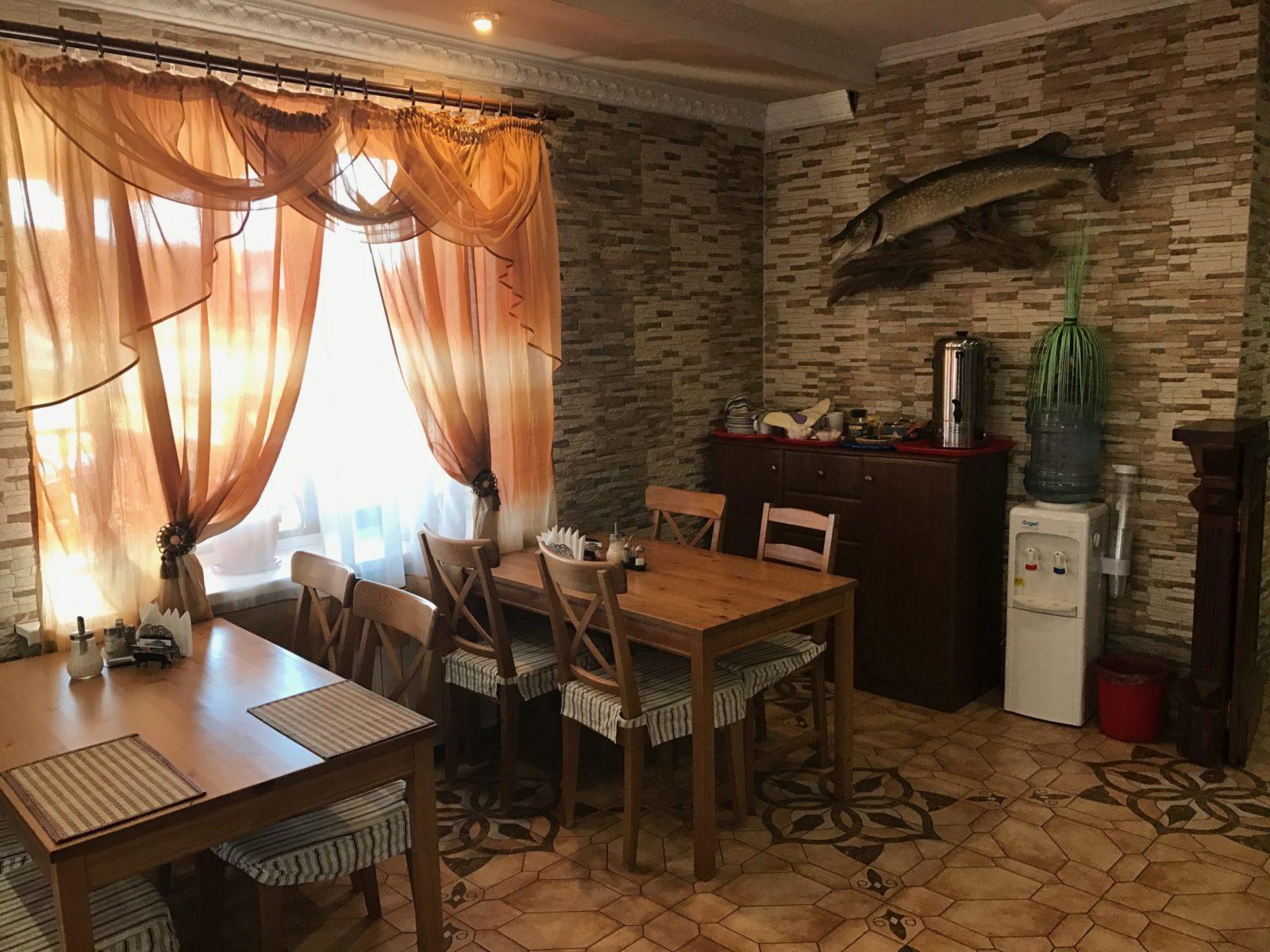 nashe kafe 2 rybolovnaja baza cherkasovo rybinskoe vodohranilishhe scaled - Наше кафе столики у окна