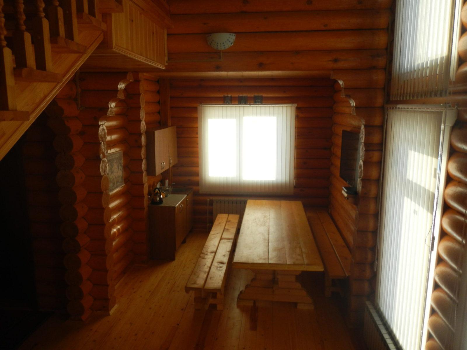 stol v bane rybolovnaja baza cherkasovo rybinskoe vodohranilishhe scaled - Стол в бане