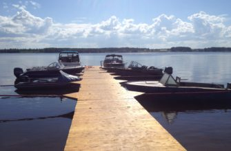 катера у причала рыбалка охота и отдых рыболовная база Черкасово рыбинское водохранилище 335x220 - Наши катера у причала