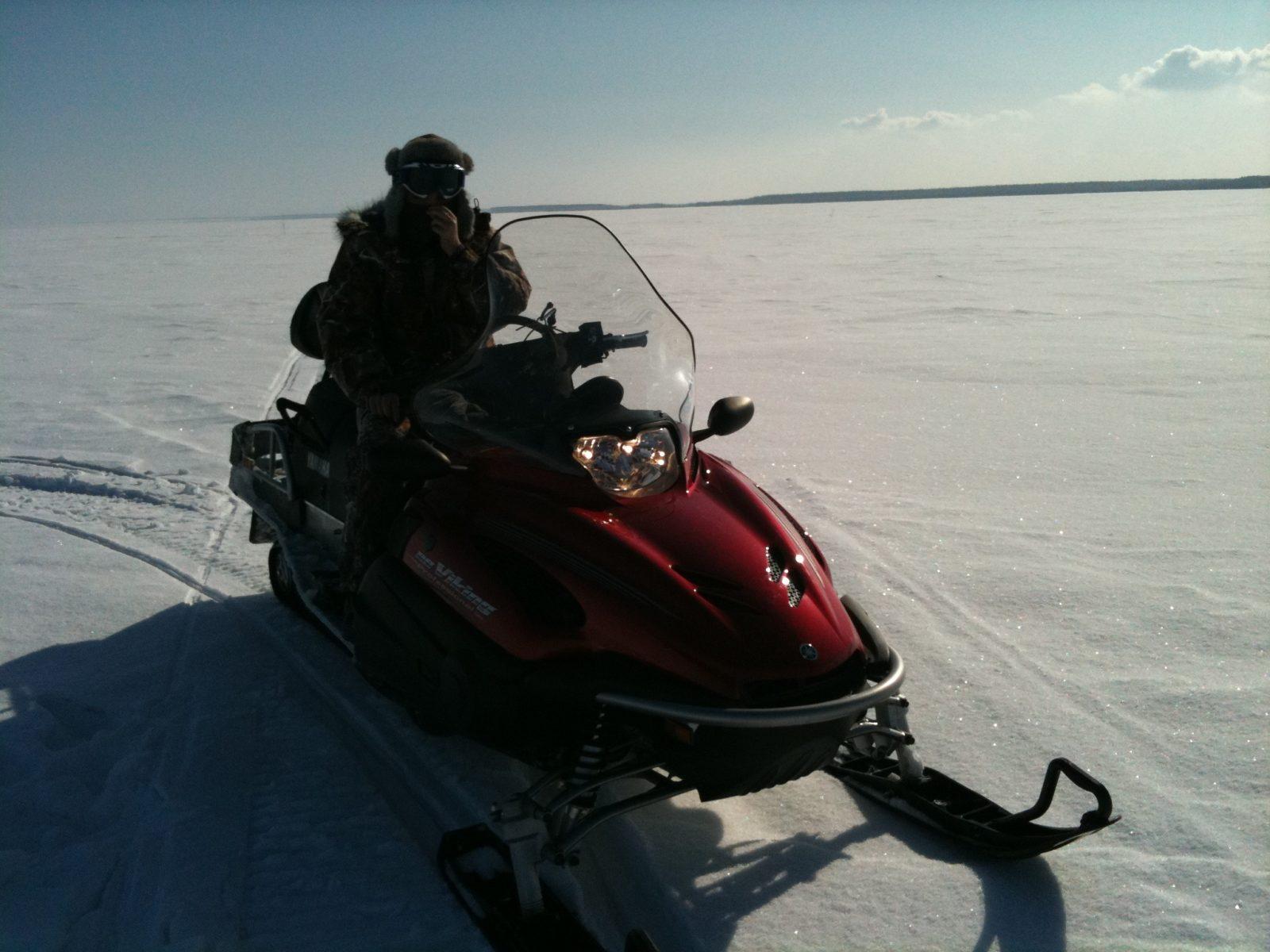 по Рыбинке на снегоходах зимняя рыбалка и отдых рыболовная база Черкасово рыбинское водохранилище 2 - катаемся по Рыбинке на снегоходах